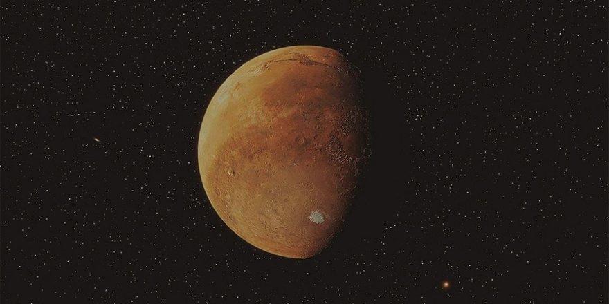 Çin'in keşif aracı 'Tienvın-1', Mars'ın etrafında seyrettiği yörüngesini düzeltti