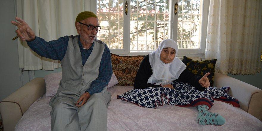 Gaziantepli asırlık çınarlar, evliliklerini saygı ve sevgiyle 71 yıldır sürdürüyor