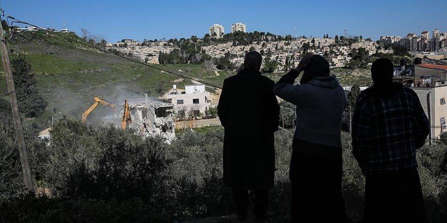 İsrail polisinin evini yıktığı Mescid-i Aksa Koruma Müdürü'nün protesto çadırı da söküldü