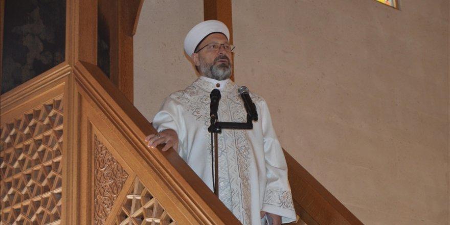 Diyanet İşleri Başkanı Erbaş, Afyonkarahisar Paşa Camisi'nde hutbe irat etti
