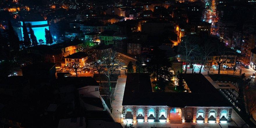 Bursa'nın 6 asırlık medresesindeki Türk İslam Eserleri Müzesi ziyaretçilerini tarih yolculuğuna çıkarıyor
