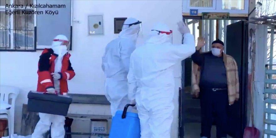 Bakan Koca, Kovid-19 aşı hizmetinin evlere ulaştırıldığı anları paylaştı