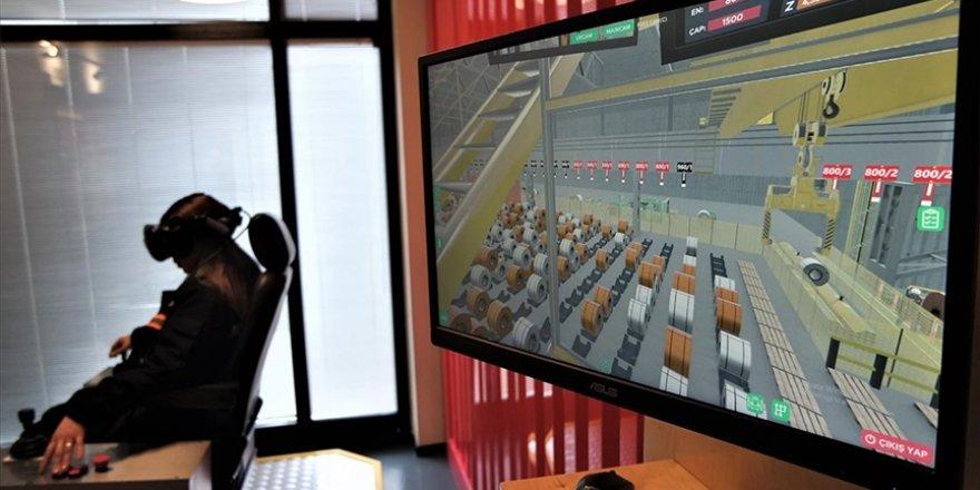 Gemlik'teki çelik fabrikasında vinç operatörleri sanal gerçeklik teknolojisiyle kazasız eğitiliyor