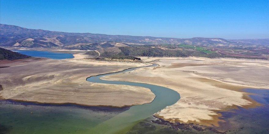 Gediz Havzası'nda kış yağışları ortalamanın altında kalınca barajlar beklenen oranda dolmadı