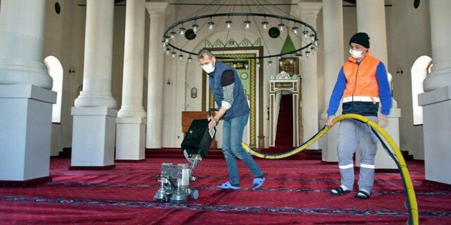 Camilerde Ramazan temizliği başladı
