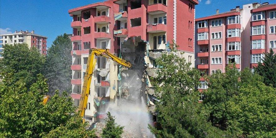 Depreme dayanıklı olmayan binaların dönüşümü için yaklaşık 16 milyar lira harcandı