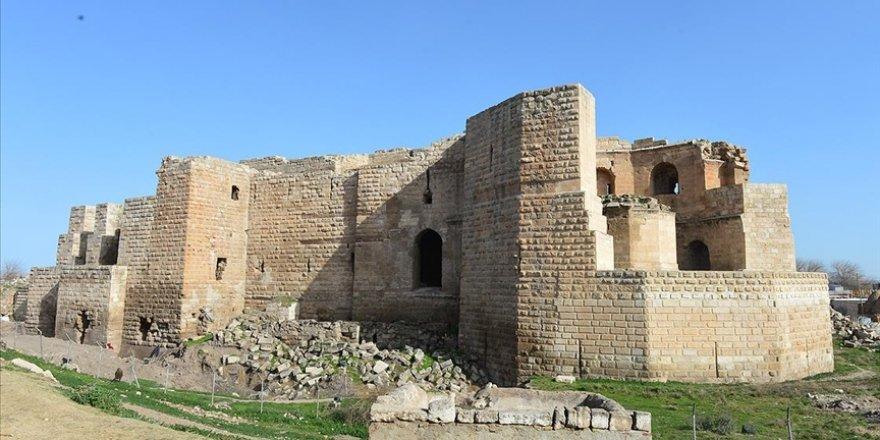 Harran Sarayı'na giriş 9 asır önceki gibi tarihi köprüden yapılacak