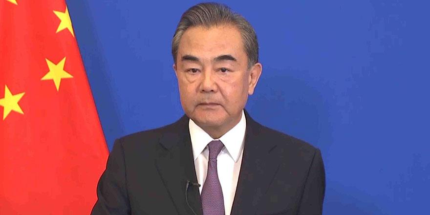 Çin Dışişleri bakanı, Uygur soykırımını inkar etti, üstüne bir de kızdı!