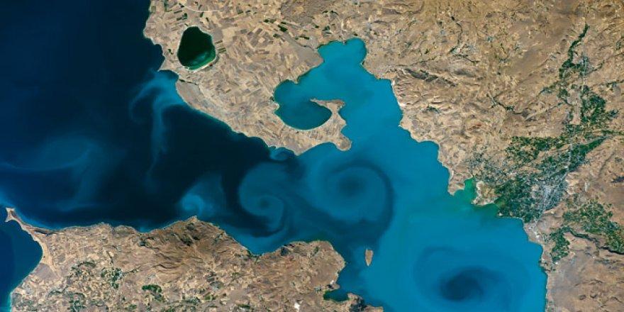 Van'da NASA'nın yarışmasında finale kalan Van Gölü fotoğrafının heyecanı yaşanıyor