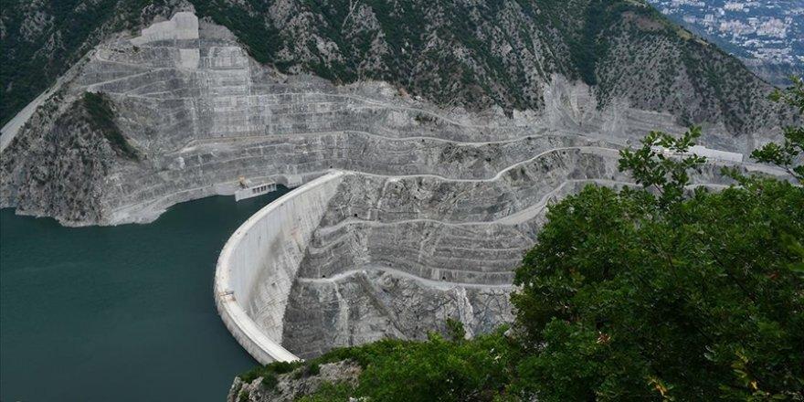 Elektrikte kurulu güç geçen yıl sonunda 95 bin 890 megavata ulaştı