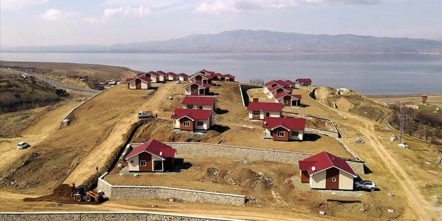 TOKİ Elazığ'da 1564 evin ihalesini yaptı