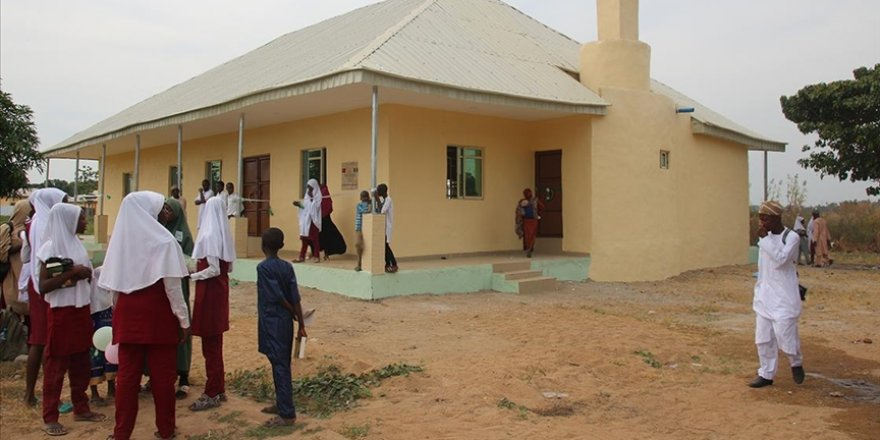 Nijerya'da başörtüsü tartışması nedeniyle kapatılan 10 okul yeniden açıldı