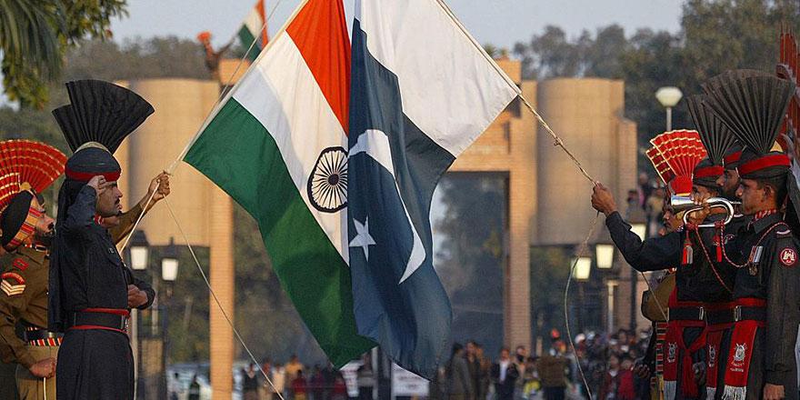 Hindistan başbakanı, 'Pakistan Milli Günü'nü tebrik etti
