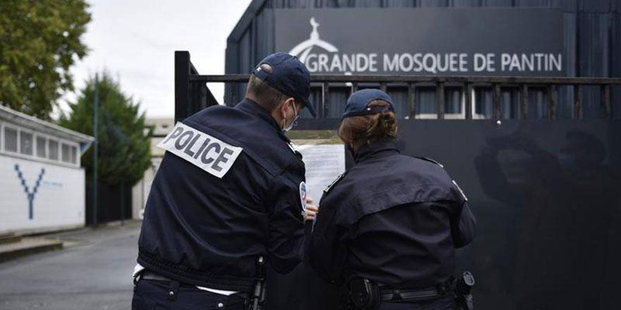 Müslüman okullarını 'ayrılıkçılıkla' suçlayan Fransa'nın yurt dışında 539 okulu var