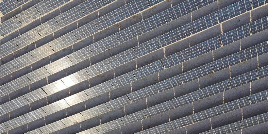 Düşünce kuruluşu Carbon Tracker'a göre güneş ve rüzgar, dünya enerji talebinin 100 katını karşılayabilir