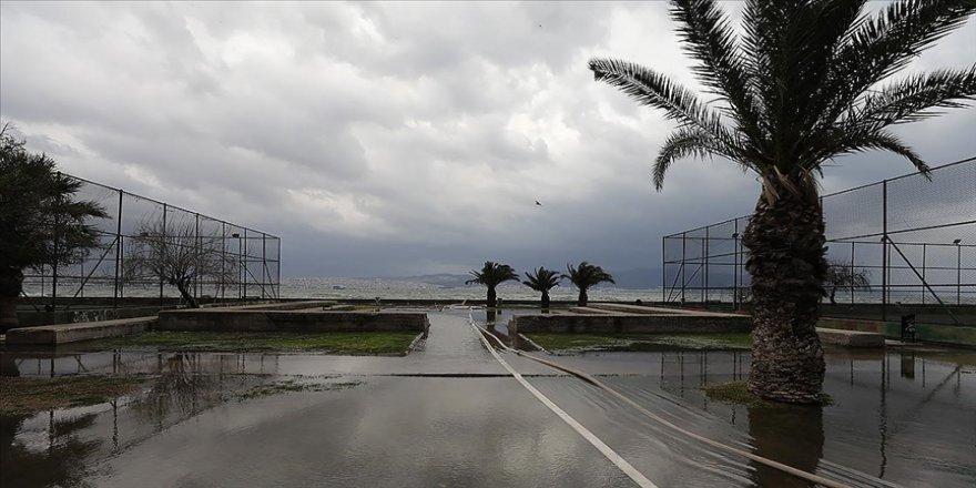 Marmara'nın güney ve batısı ile Ege Bölgesi'nde yarın kuvvetli rüzgar bekleniyor