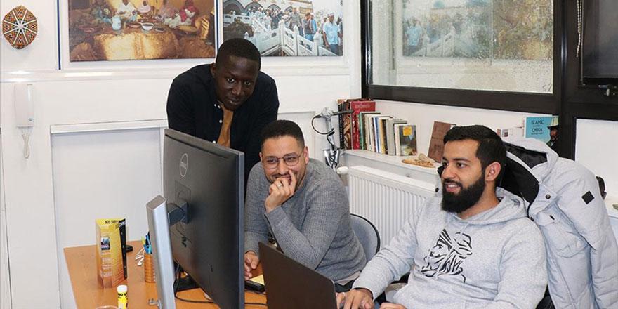 Fransa'da üç gencin Umulmadık Müslümanlar çalışması