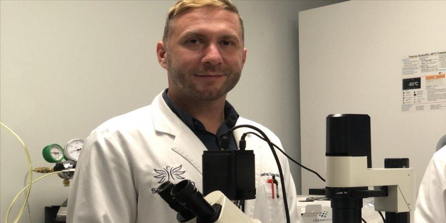 Türk bilim insanı, Kovid-19'u 48 saat içinde yok edecek ilaç üzerinde çalışıyor