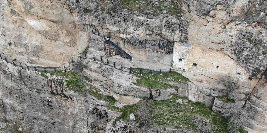 Ashab-ı Kehf'in 309 yıl uyuduğu mağara ziyarete açılıyor