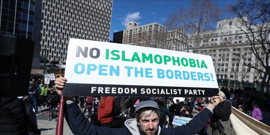 ABD'de Pakistan kökenli Müslüman kız öğrenci asitli saldırıya uğradı