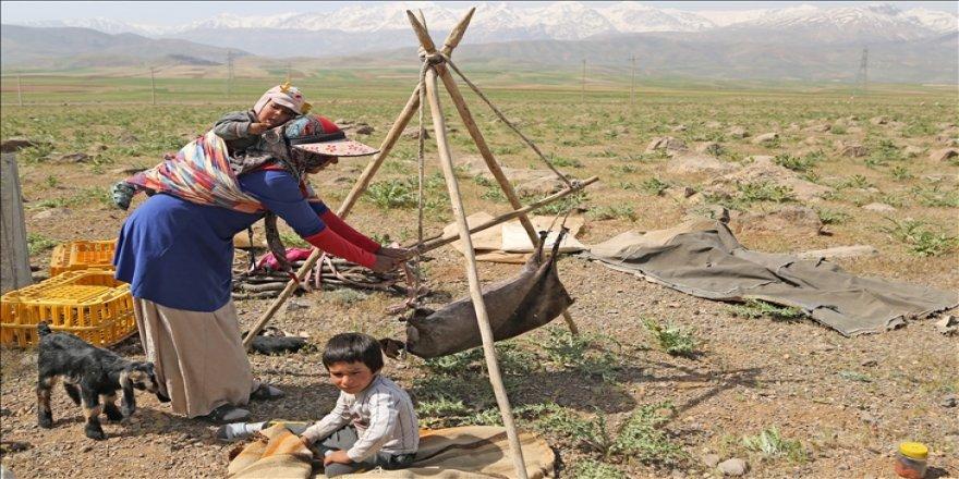 Kaşkay Türklerinin asırlardır sürdürdükleri gelenek 'yaylaya göç' başladı