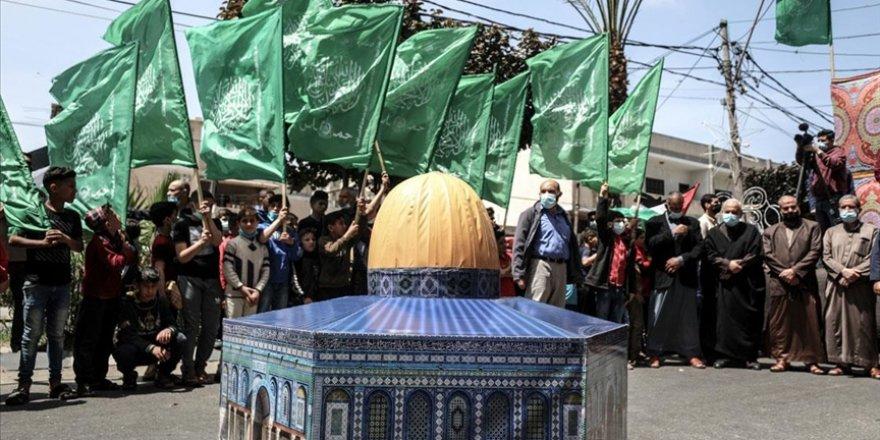 Gazze'de İsrail saldırılarına maruz kalan Kudüs sakinlerine ve Mescid-i Aksa'ya destek gösterileri düzenlendi