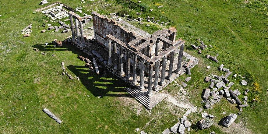 Aizanoi Antik Kenti ziyaretçilerini ağırlıyor