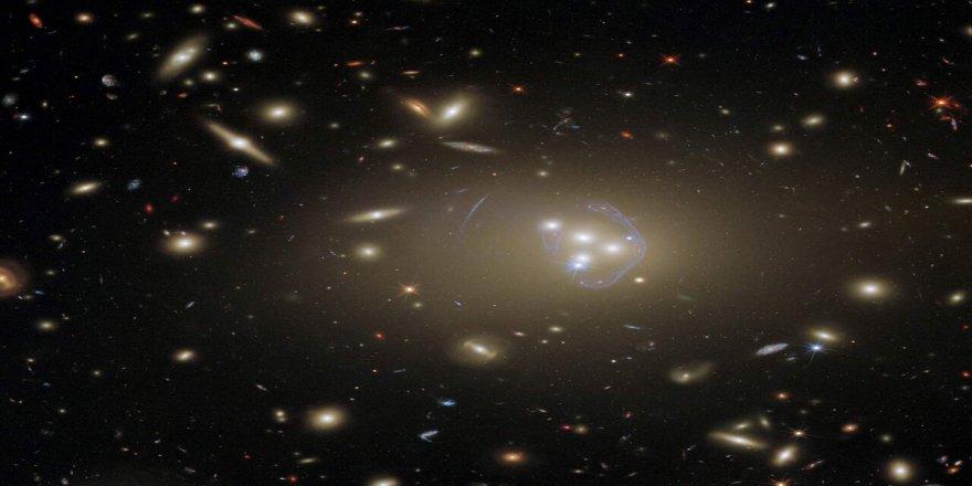 Subhanallah! Yaratılış harikası bir galaksi kümesinin yeni görüntüsü