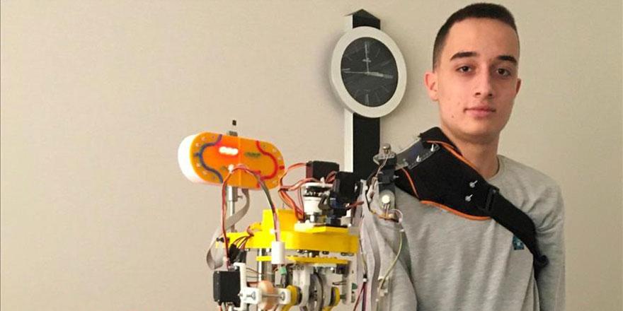 Mobil robot kol projesiyle dünya birincisi oldu