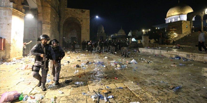 İsrail'in Mescid-i Aksa'ya müdahalesinde yaralı sayısı 331'e yükseldi