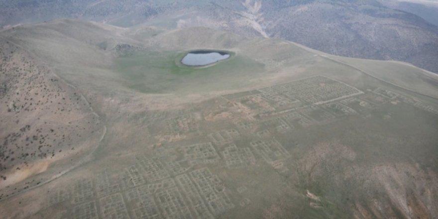 Dağın zirvesinde 2 bin 800 yıllık bir antik kent: Tabal Krallığı