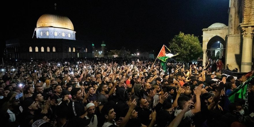 Gazze hükümeti, Facebook, Twitter ve Instagram'ı Filistin'le ilgili paylaşım yapan hesapları silmekle suçladı
