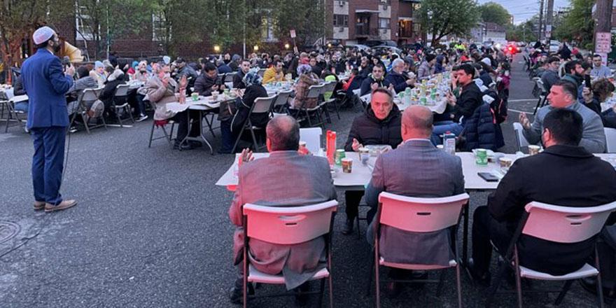 New Jersey'de 'Kadir Gecesi Sokak İftarı'
