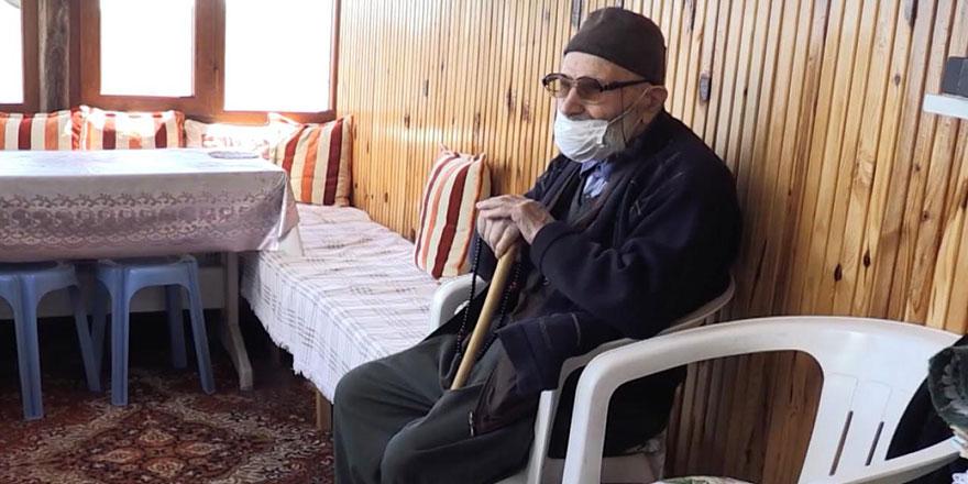 Maşallah! 112 yaşındaki Mehmet dede 102 yıldır oruç tutuyor