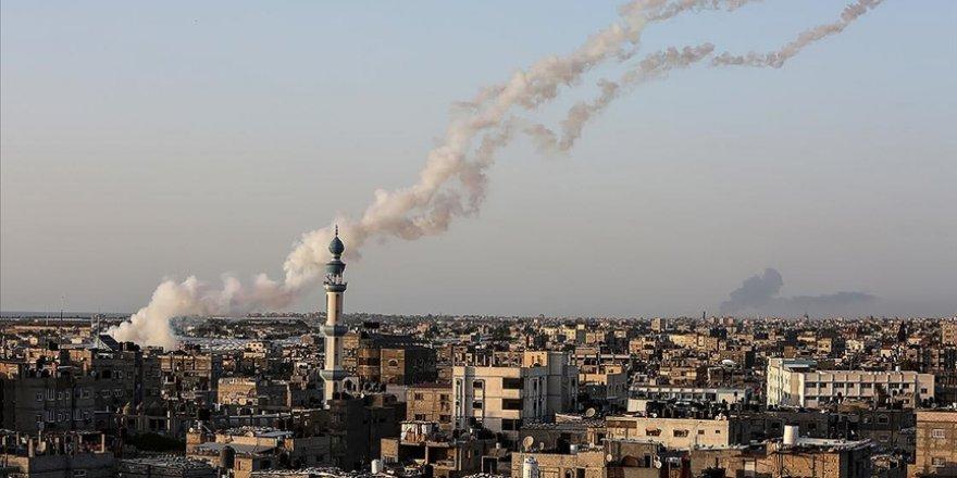 İsrail Gazze'ye yeni saldırı düzenledi, Hamas Tel Aviv'e 130 roket attı
