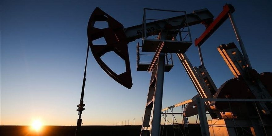 Küresel petrol talebi bu yıl günlük 5,4 milyon varil artacak