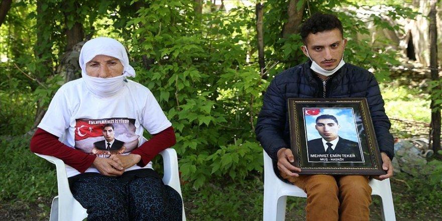 Evlatları terör örgütü tarafından kaçırılan aileler bir bayramı daha buruk karşılıyor