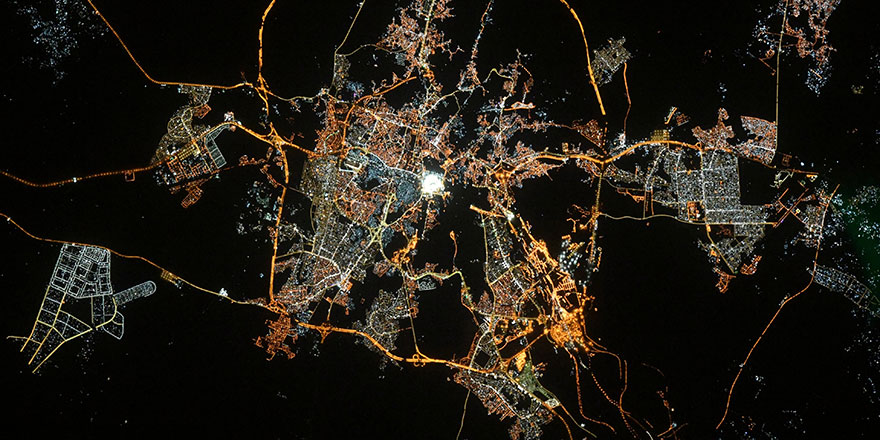 Fransız astronot uzaydan Kabe'yi çekti ve Ramazan bayramını kutladı