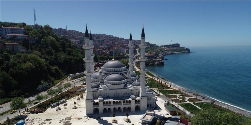 'Kömür kent'te yapımı tamamlanan Uzun Mehmet Camisi ibadete açılacağı günü bekliyor