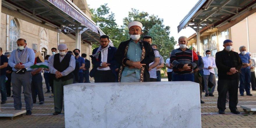 Filistinli şehitler için gıyabi cenaze namazı
