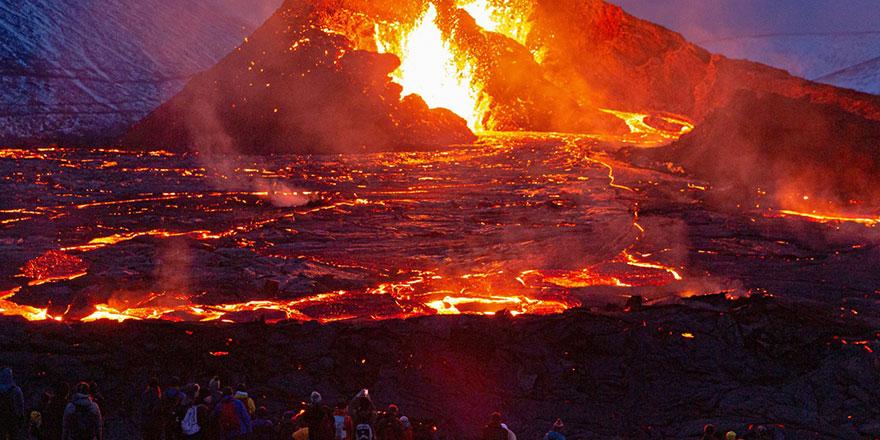 Fagradalsfjall yanardağı 6 bin yıl sonra patladı