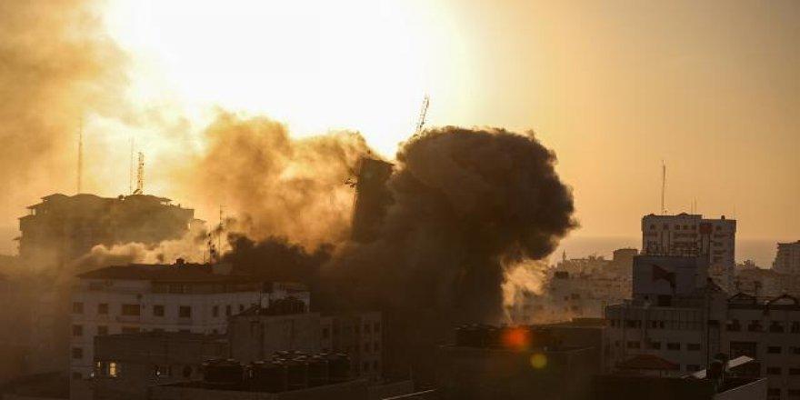İsrail Gazze'de sağlık merkezini hedef aldı