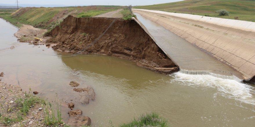HES kanalının duvarı çöktü, 300 dönüm tarım arazisi su altında kaldı
