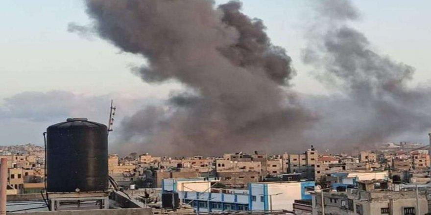Gazze'ye sekiz fosfor bombası atıldı