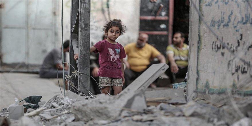 İsrail'in Filistinli çocuklara karşı Gazze'de işlediği suçları durdurun