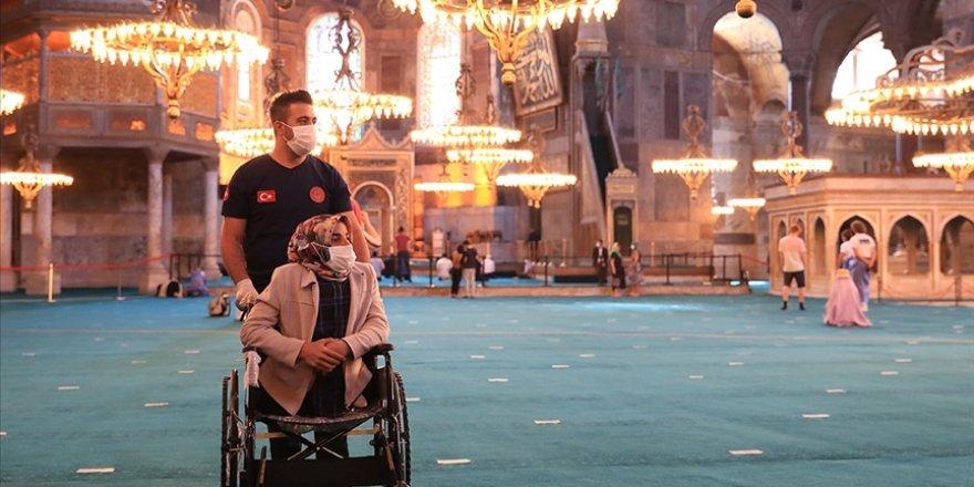 Doğuştan engelli kadının Ayasofya'yı görme hayali gerçek oldu