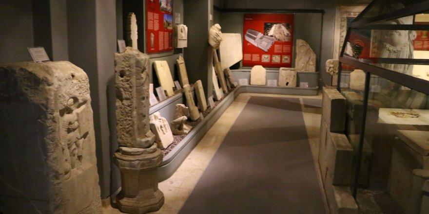 'Hera'nın Şehri'nden çıkarılan eserlerin de sergilendiği müze, ziyaretçilerini geçmişe yolculuğa çıkarıyor