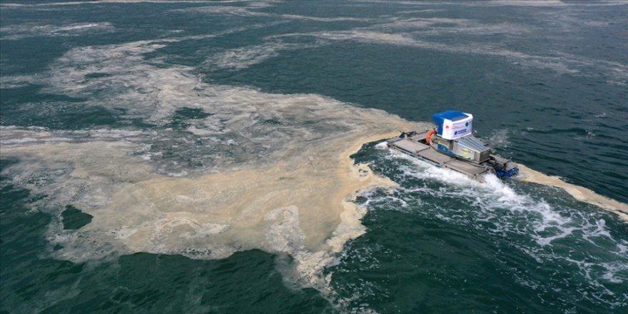 Bakan Kurum, Marmara Denizi'nden 11 günde 4 bin 202 metreküp müsilaj temizlendiğini bildirdi