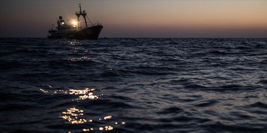 Tunus açıklarında tekne battı: 175 düzensiz göçmen kurtarıldı