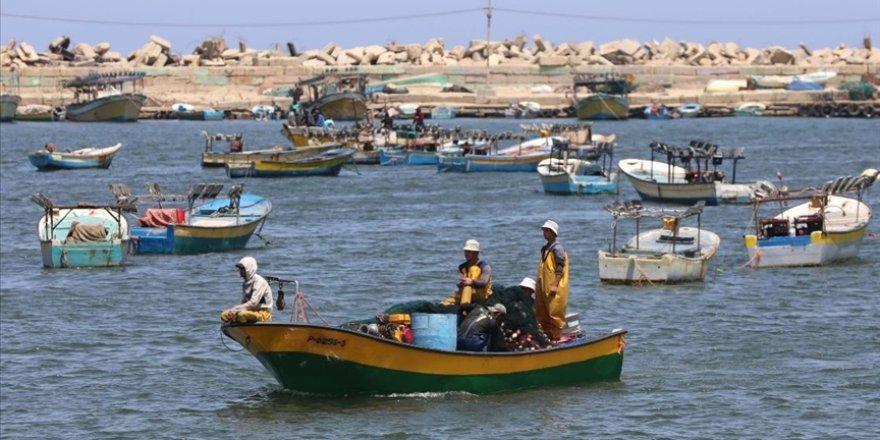 Gazze Şeridi'nde İsrail ablukası ve balıkçılara yönelik ihlaller protesto edildi
